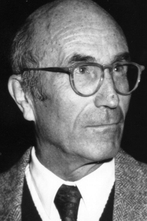 Undatiertes Archivbild zeigt Niklas Luhmann. Der Soziologe, einer der bedeutendsten Vertreter seines Fachs, ist im Alter von 70 Jahren gestorben. Wie ein Sprecher der Universität Bielefeld am Mittwoch (11.11.1998) bestätigte, erlag der Wissenschaftler bereits am 6. November einer langen schweren Krankheit. dpa   nur s/w